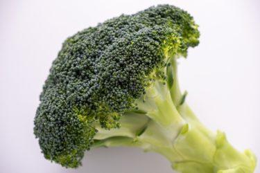 子どもがパクパク食べられるようになるブロッコリーサラダのレシピ。