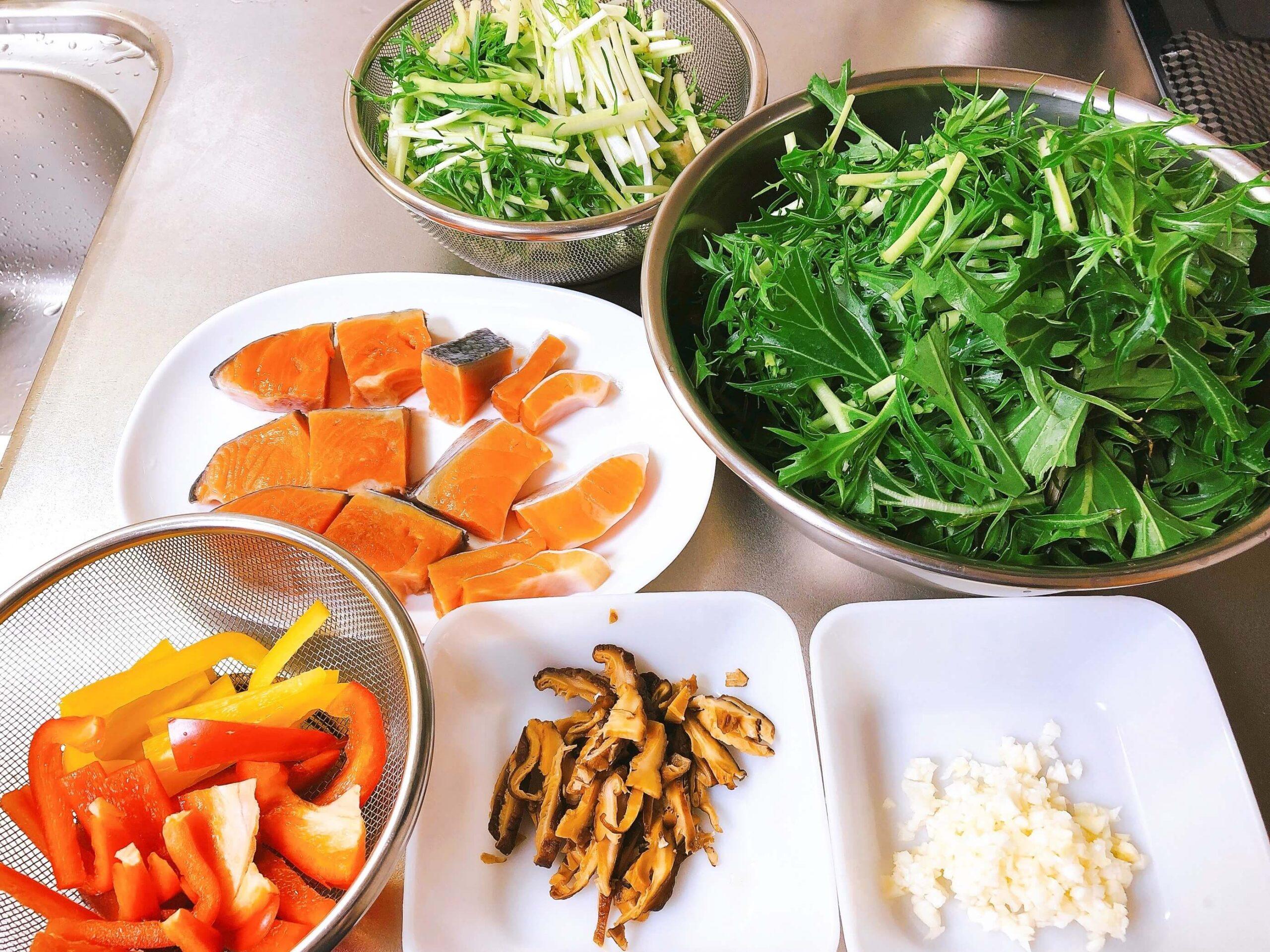 鮭と野菜のオイスター炒め材料