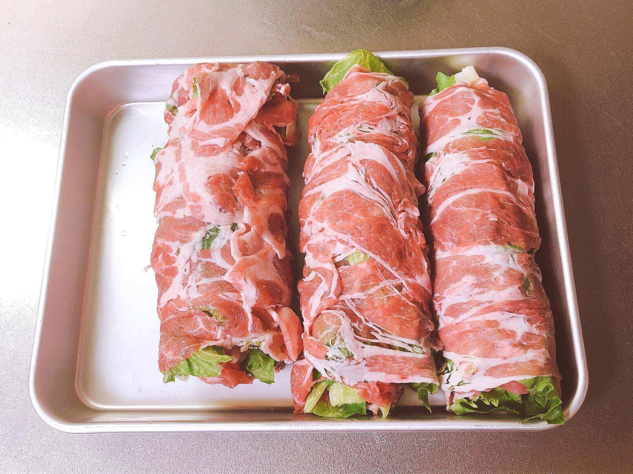 レタスの豚肉、焼く前